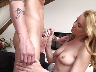 Mature mom suck and fuck lucky guy